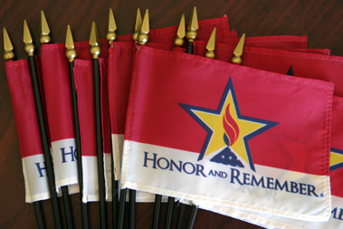 honor_and_remember_flagwww.theflagco.com